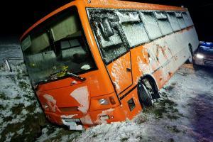 Atak zimy w Wielkopolsce. Liczne utrudnienia i interwencje strażaków [AKTUALIZACJA]