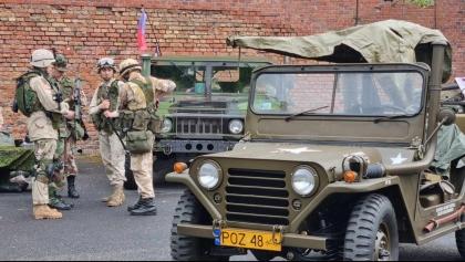 Miłośnicy starej broni z Polski, a także z Czech i Niemiec przyjechali do Poznania