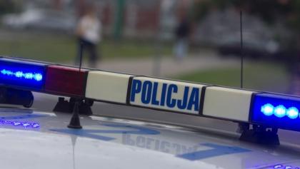 Agresywny nastolatek zmarł po interwencji policjantów.