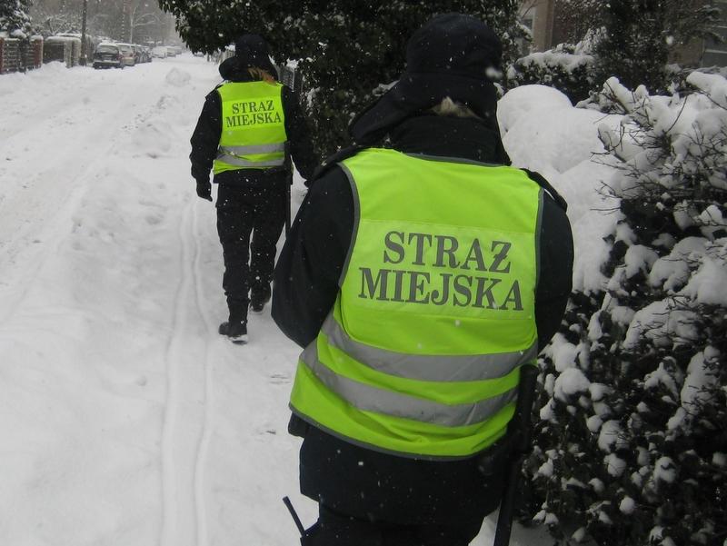 Strażnicy miejscy - odśnieżanie - Jacek Butlewski