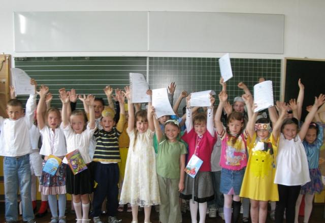 Dzieci z SP 24 ze świadectwami - Szymon Mazur